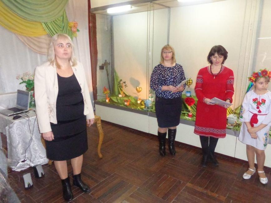 В Красноармейске состоялось награждение юных дарований выставки-конкурса «Таланти твої, Україно!» (фото) - фото 3
