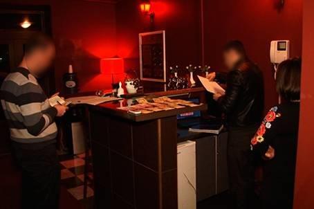 В Івано-Франківську викрито масажисток, які працювали у скандальному