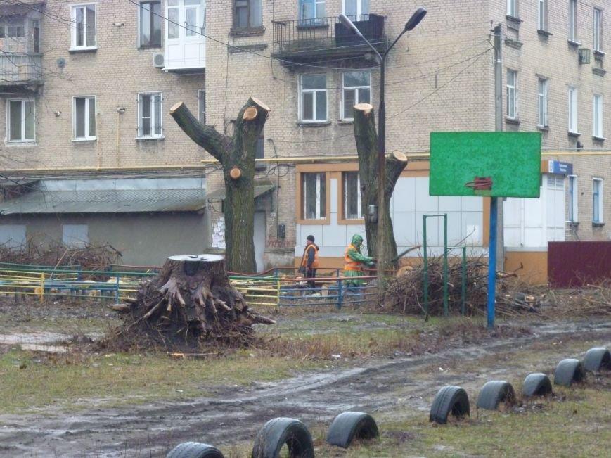 В Красноармейске часть проспекта Шахтостроителей вновь осталась без электроэнергии (фото) - фото 1