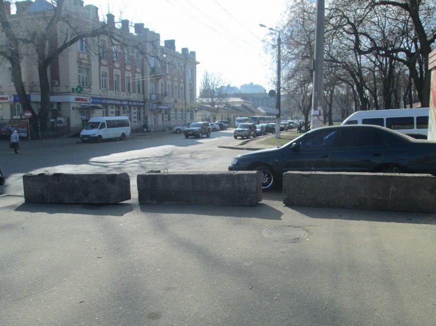19d812f86c2b8ee209a2620b6d99d7ab В центре Одессы выросли настоящие баррикады