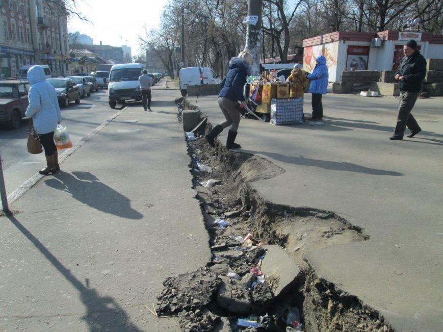 4c67dcc16aaa218035549e20f212c664 В центре Одессы выросли настоящие баррикады