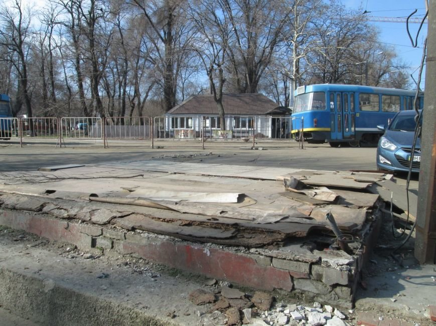 6e60836b411c4c29a8a4893f06425d32 В центре Одессы выросли настоящие баррикады