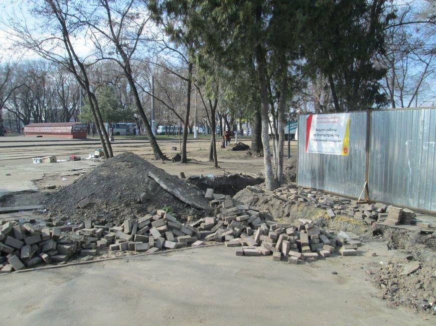 В центре Одессы выросли настоящие баррикады (ФОТОРЕПОРТАЖ) (фото) - фото 1