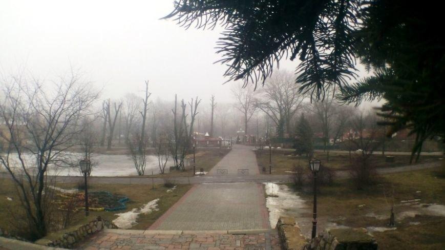 Детский парк в Сумах стал похож на фильм ужасов (ФОТО) (фото) - фото 1