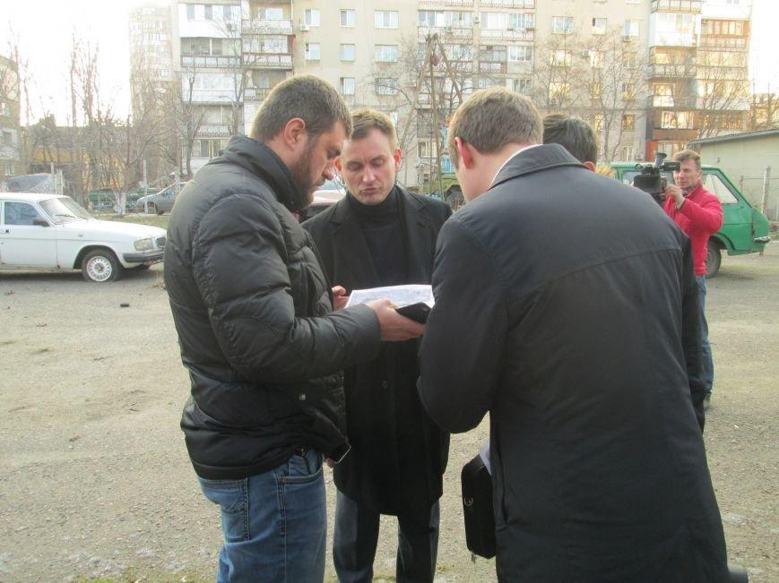 4288b3258d9f6e113ba5fa1a7ce6bbed Одесские студенты не хотят отдавать землю университета Кивану