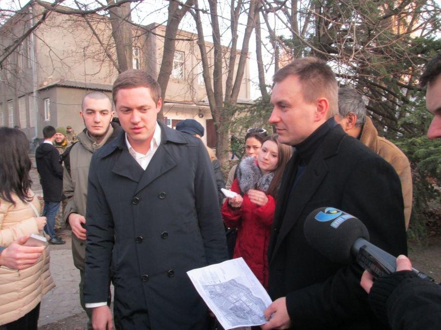 b40d4238e791ab24ff61173a4e3a40a0 Одесские студенты не хотят отдавать землю университета Кивану