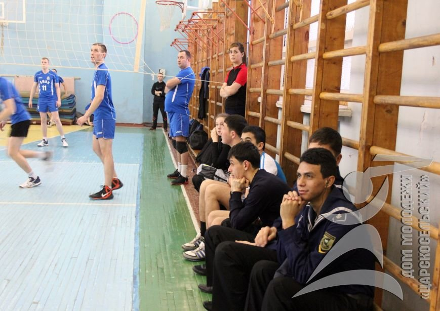 Спортсмены из Мозамбика и Вьетнама сразились в волейбол в Пушкине (фото) - фото 1