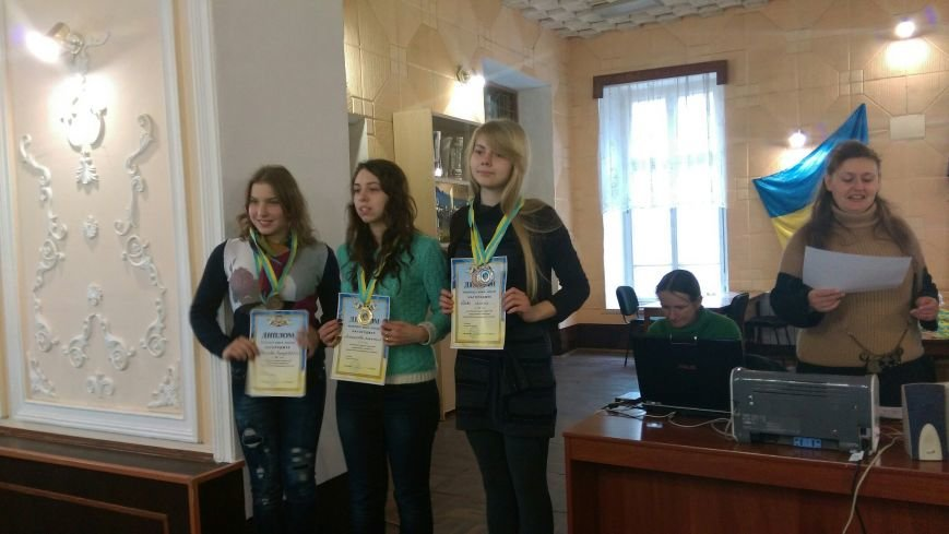 Днепродзержинские шашистки завоевали три