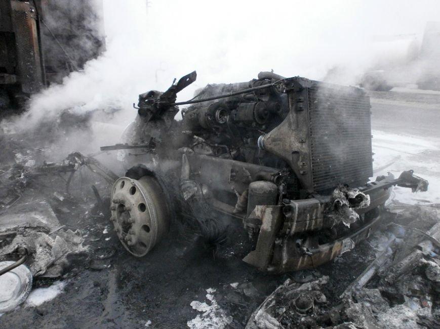 Под Полтавой сгорел грузовик (ФОТО) (фото) - фото 1