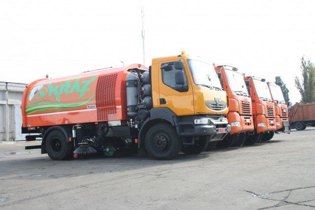 Весенняя уборка в Кременчуге: с сегодняшнего дня в городе начинает работать автопылесос (фото) - фото 1