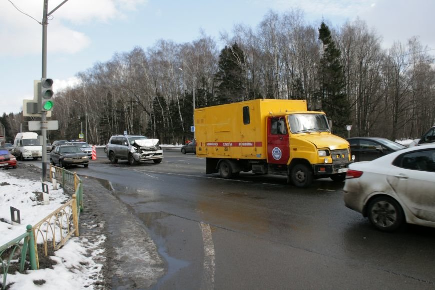 В новой Москве на Калужском шоссе произошло ДТП (ФОТО), фото-1