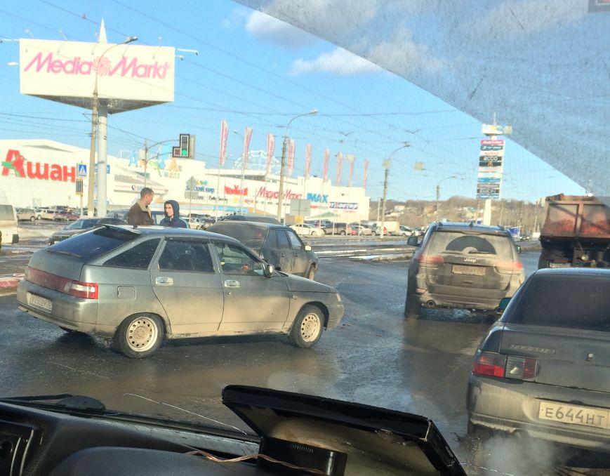 Тройное ДТП парализовало движение на Пушкаревском кольце, фото-3