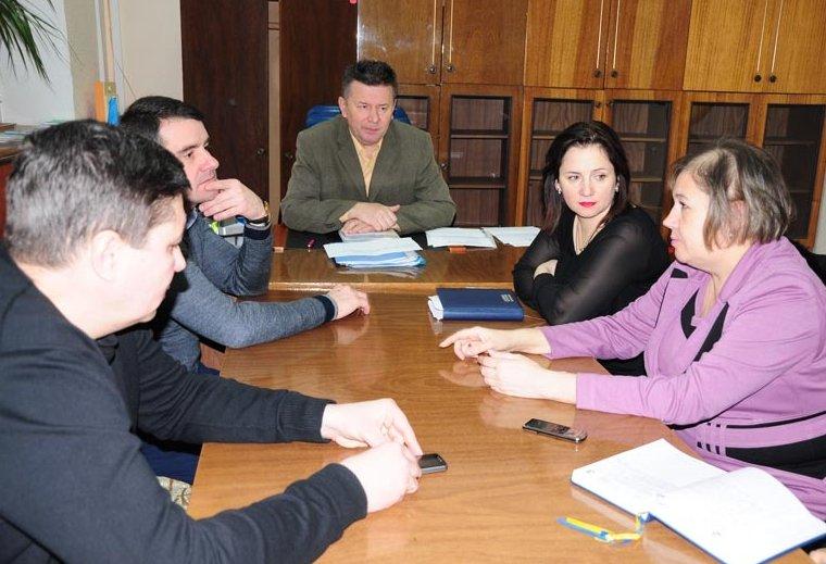 Городской голова Славянска провел совещание в Управлении социальной защите (фото) - фото 1