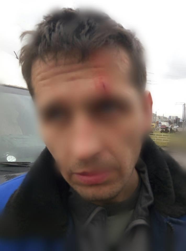 У Львові невихваний водій маршрутки дверима відлупцював чоловіка за зауваження (ФОТО) (фото) - фото 1