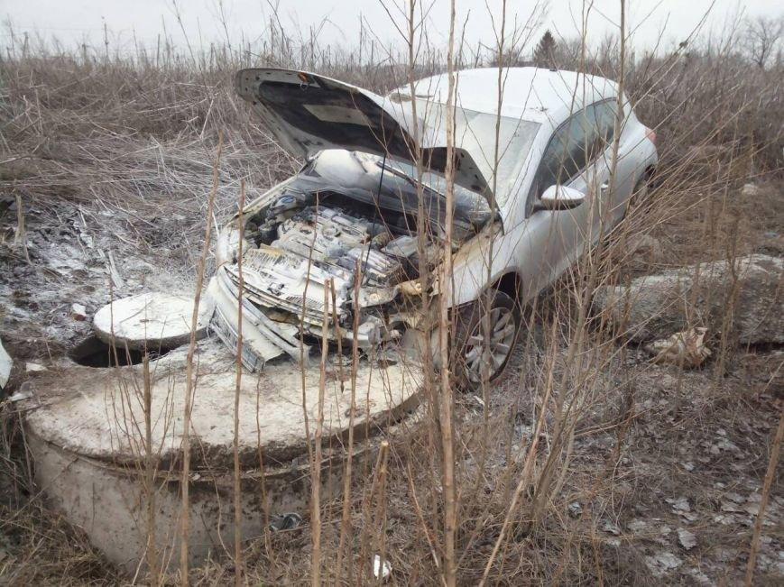 В Харькове из-за ДТП водитель едва не сгорел заживо (ФОТО) (фото) - фото 1