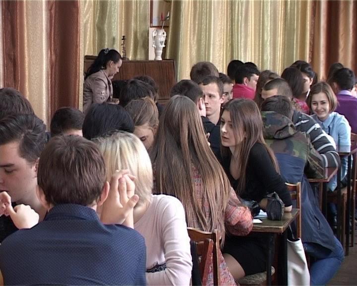 Армавир принял участников очередного тура открытого чемпионата Краснодарского края по игре «Что? Где? Когда?» (фото) - фото 1