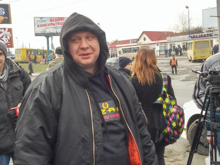 Як львів'янин тягнув зубами трамвай на вулиці Городоцькій (ФОТО+ВІДЕО), фото-3