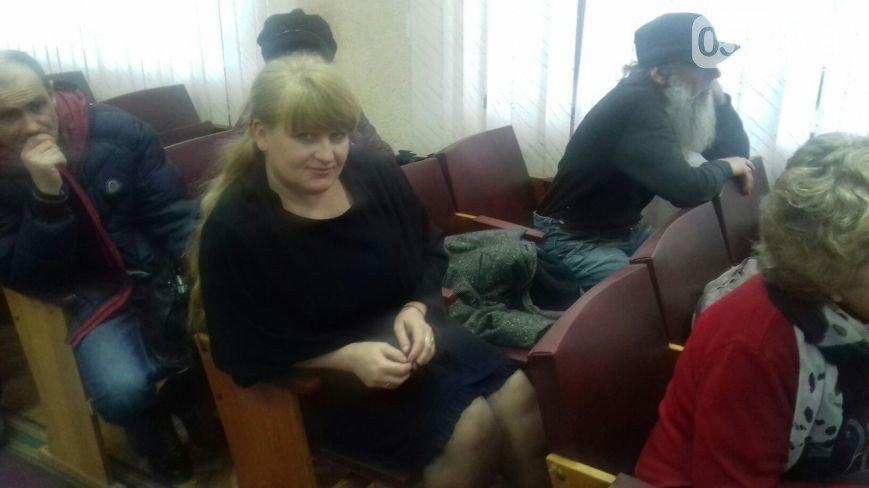 В Кривом Роге: зарегистрировали еще 3 кандидатов, объявили слушания по переименованию, на территории гимназии задержали наркоторговца (фото) - фото 3