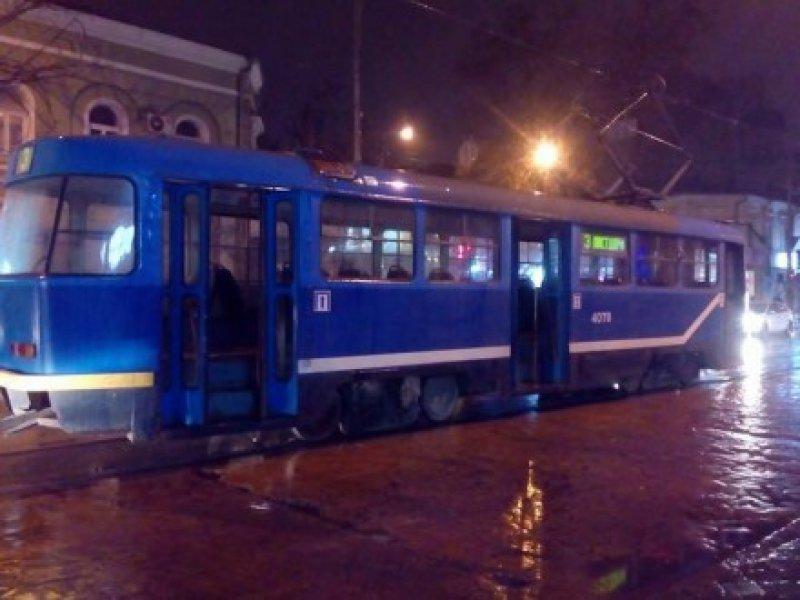 В Одессе из-за скачка напряжения загорелся трамвай (ФОТО) (фото) - фото 1
