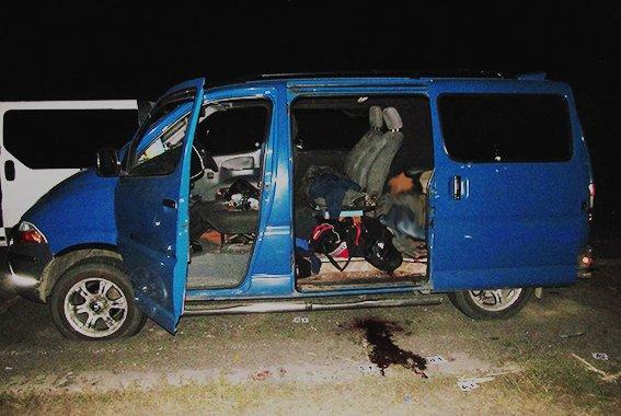 Дальнобойщики задержали банду грабителей фур на трассе Одесса-Киев (ФОТО) (фото) - фото 1