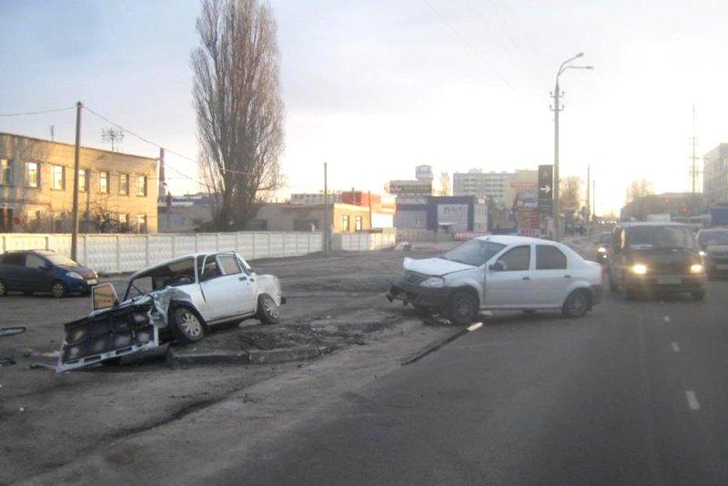Легковушка и две фуры столкнулись под Белгородом (фото) - фото 5