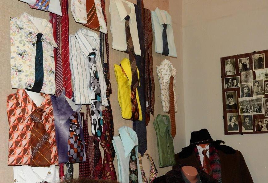 Рубашки Петра Машерова и Петруся Бровки, платье Евдокии Лось. В Витебске открылась выставка винтажной одежды «Мода из комода», фото-5