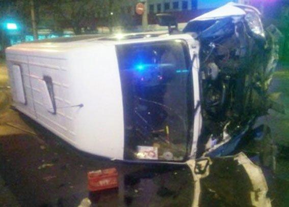 В Полтавской области автомобиль скорой помощи попал в ДТП: есть пострадавшие (ФОТО) (фото) - фото 1