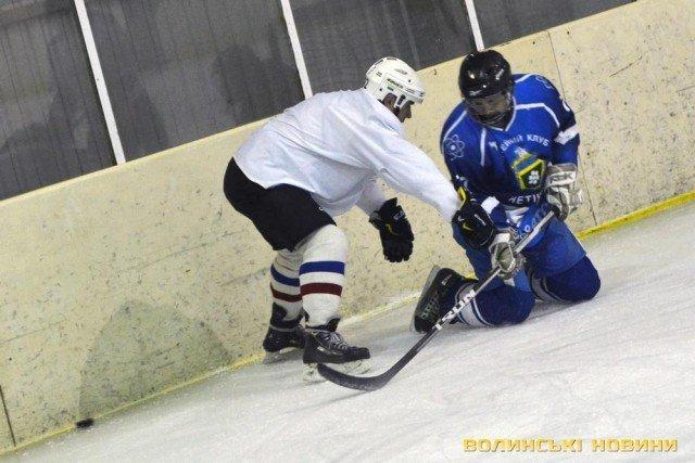 Хокейна команда з Хмельниччини перемогла на Волині (Фото) (фото) - фото 1