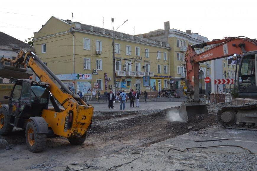 На площади Освобождения в Кривом Роге после реконструкции открыли подземный переход (ФОТО) (фото) - фото 1