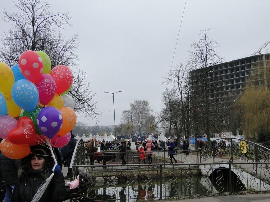 Сьогодні у Хмельницькому проводжали зиму та зустрічали весну (Фото) (фото) - фото 8