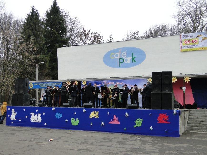 Сьогодні у Хмельницькому проводжали зиму та зустрічали весну (Фото) (фото) - фото 3