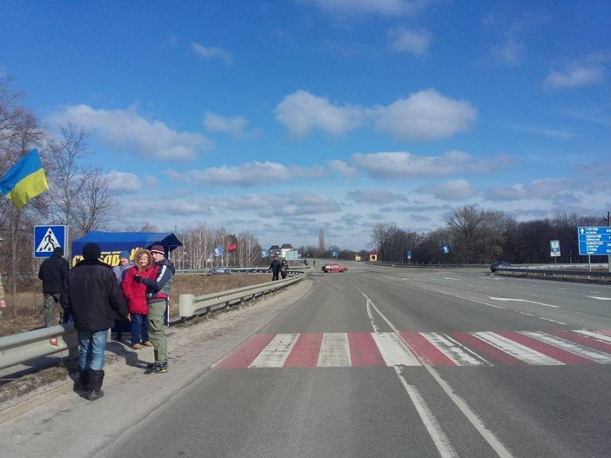 Конотопські активісти поновили блокування руху російських вантажівок в смт Батурин(Фото, Відео), фото-4