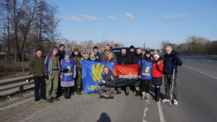 Конотопські активісти поновили блокування руху російських вантажівок в смт Батурин(Фото, Відео), фото-5