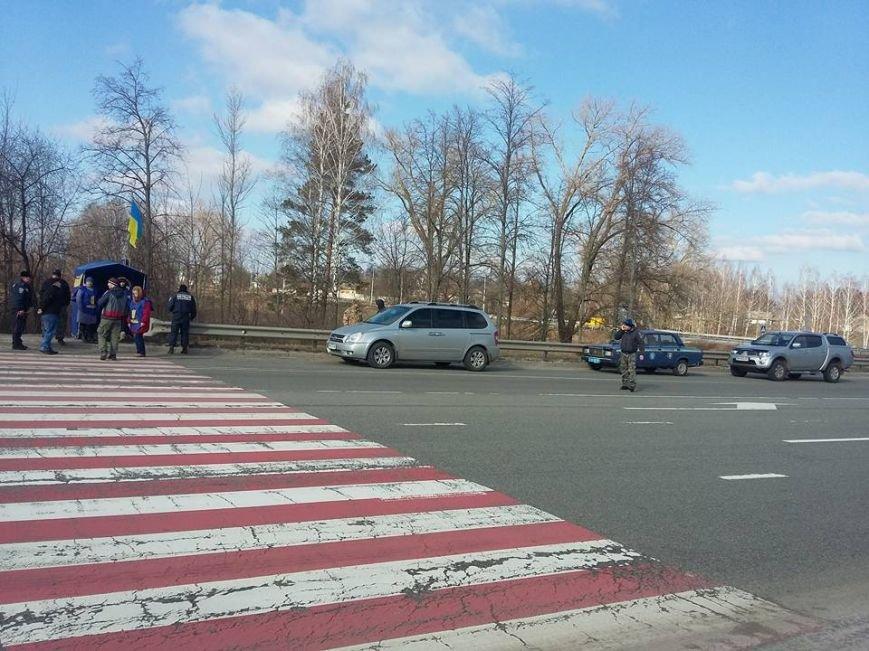 Конотопські активісти поновили блокування руху російських вантажівок в смт Батурин(Фото, Відео), фото-2
