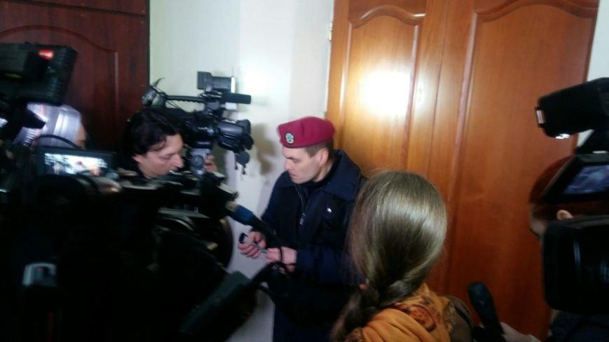 Журналисты прорывались на сессию Днепропетровского горсовета с