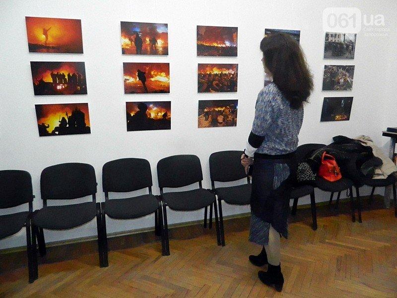 День Валентина, обстрел дома Григоры и декоммунизационная сессия: главные запорожские события февраля в фотографиях (фото) - фото 18