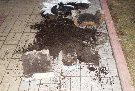 Вчора у Хмельницькому шукали вибухівку, а знайшли землю (Фото) (фото) - фото 1