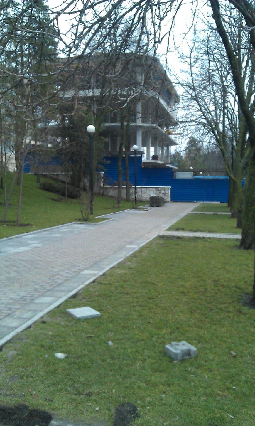 Незаконную четырехэтажку нашли на набережной Дона в Ростове-на-Дону (фото) - фото 2