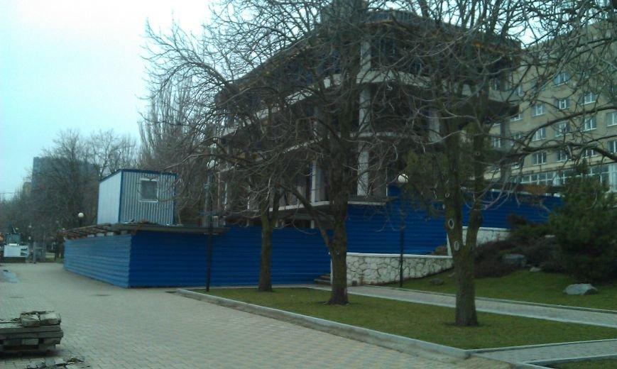 Незаконную четырехэтажку нашли на набережной Дона в Ростове-на-Дону (фото) - фото 1