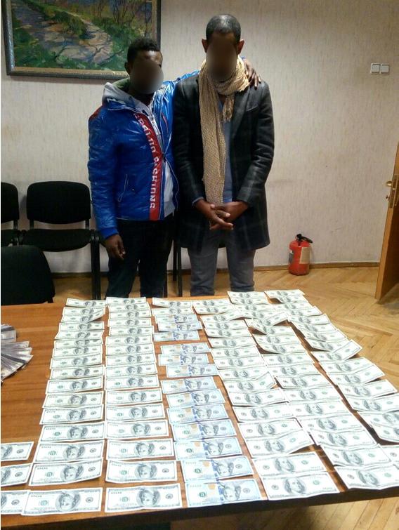 В Киеве задержали фальшивомонетчиков из Камеруна (ФОТО) (фото) - фото 1