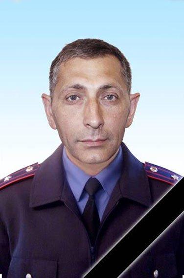 Запорожскую власть просят переименовать улицу в честь погибшего на войне милиционера (фото) - фото 1