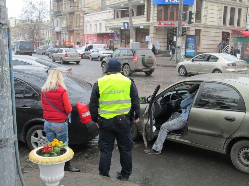 cca473b62fe25788d08d70479a43b583 Из-за аварии в центре Одессы транспортный коллапс