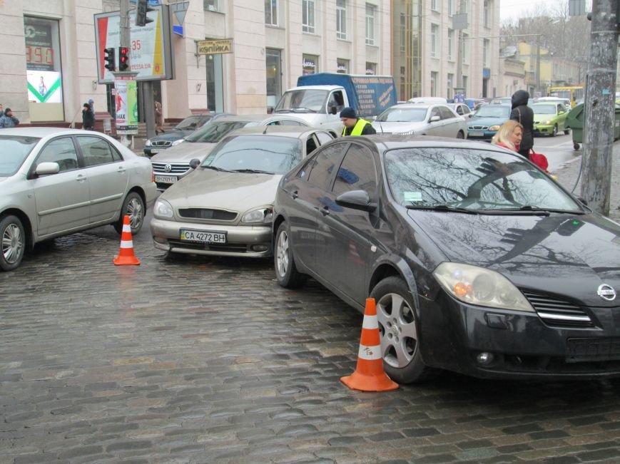 Из-за аварии в центре Одессы транспортный коллапс (ФОТО) (фото) - фото 1