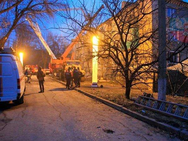 В Макеевке ликвидируют последствия взрыва газа в жилом доме (фото) (фото) - фото 1