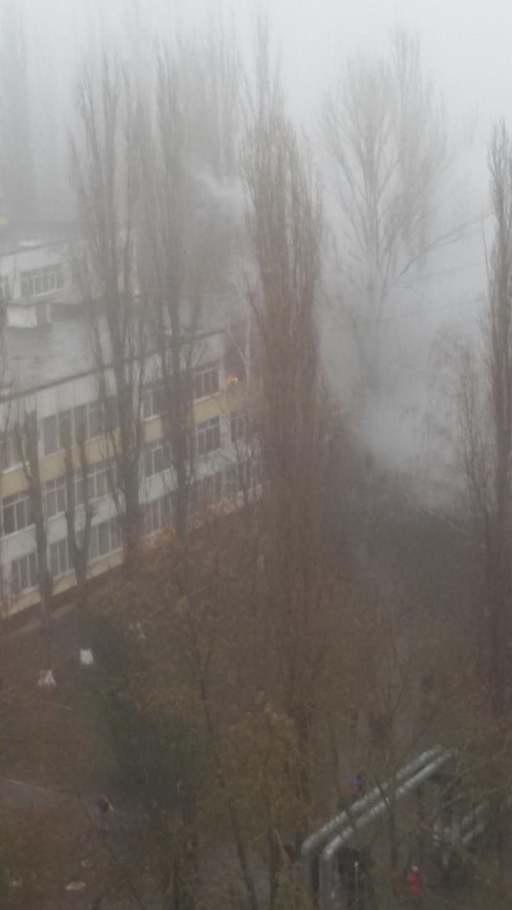 В Одессе на Котовского горит школа (ДОБАВЛЕНО ФОТО) (фото) - фото 1