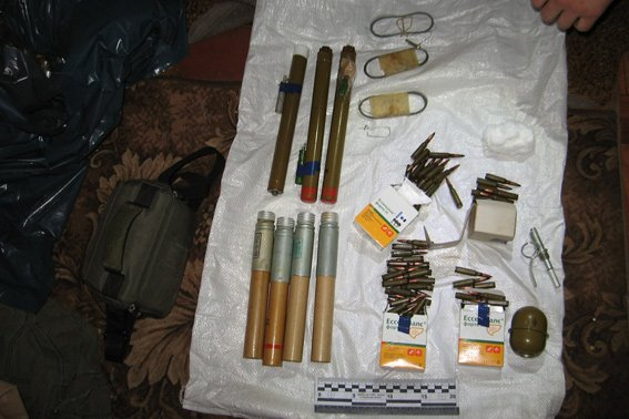 На Черкащині чоловік отримував зброю зі Сходу поштою (фото) - фото 1