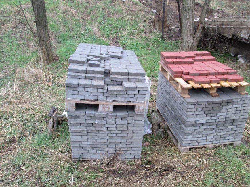 Одесские склоны обустраивают призрачные рабочие (ФОТО) (фото) - фото 1