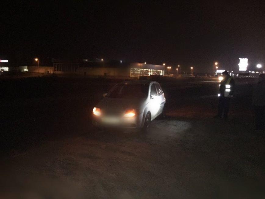 Поблизу Львова автомобіль скоїв наїзд на 27-річного пішохода