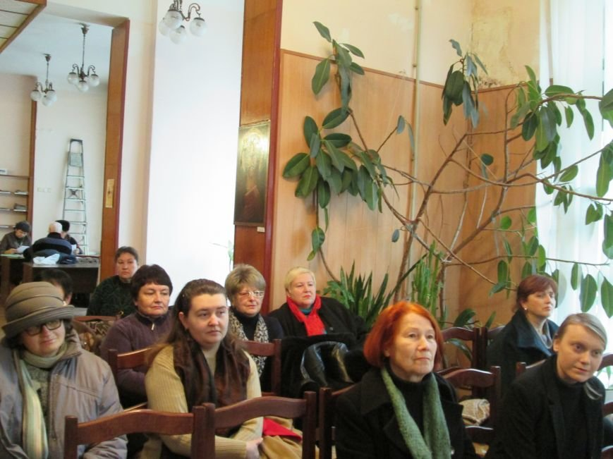Известный украинский писатель презентовал в Днепродзержинске свой новый роман, фото-4