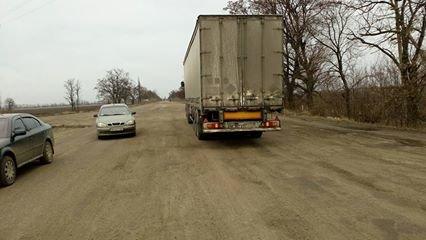 """Несмотря на запрет со стороны обладминистрации, фуры продолжают ездить по трассе Н-11 """"Кривой Рог - Николаев"""" (ФОТО), фото-10"""
